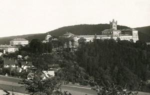 Mírov v padesátých letech. Foto Kabinet historie Vězeňské služby ČR