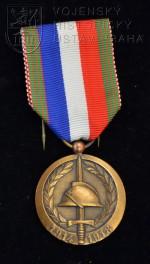 Francouzská jubilejní medaile Národní jednoty bojovníků k 60. výročí konce první světové války