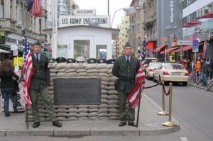 Checkpoint Charlie. Foto Ivo Pejčoch.