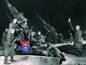 Noční střelby protiletadlovců. Foto sbírka VHÚ.