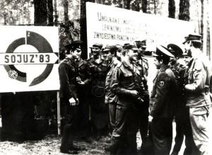 Polští a sovětští vojáci na cvičení Varšavského paktu Sojuz 83