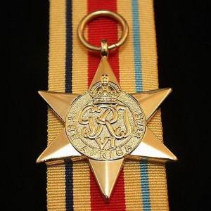 Africa Star – britské vyznamenání za účast v bojích v Africe měl právo nosit i Josef Hercz...