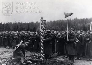 Vítězného vstupu 1. čs. armádního sboru na Slovensko se již hrdina od Tobruku, Kyjeva a Žaškova nedožil…