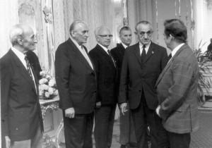 Rudolf Krzák představuje prezidentu Václavu Havlovi parašutisty