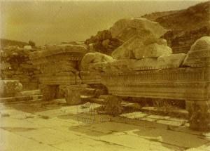 Ruiny starověkého Efezu zachycené rakousko-uherskými námořníky kolem roku 1911