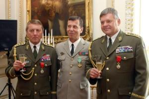 Generálporučík Ďurica dekorován Řádem čestné legie
