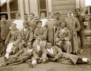 Skupina pacientů čs. nemocnice na Sibiři (Foto VHA)