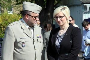 Ředitel VHÚ plukovník Aleš Knížek a ministryně obrany Karla Šlechtová