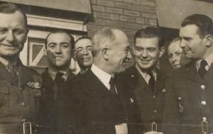 Josef Jaške (druhý zleva) ve společnosti prezidenta Edvarda Beneše.