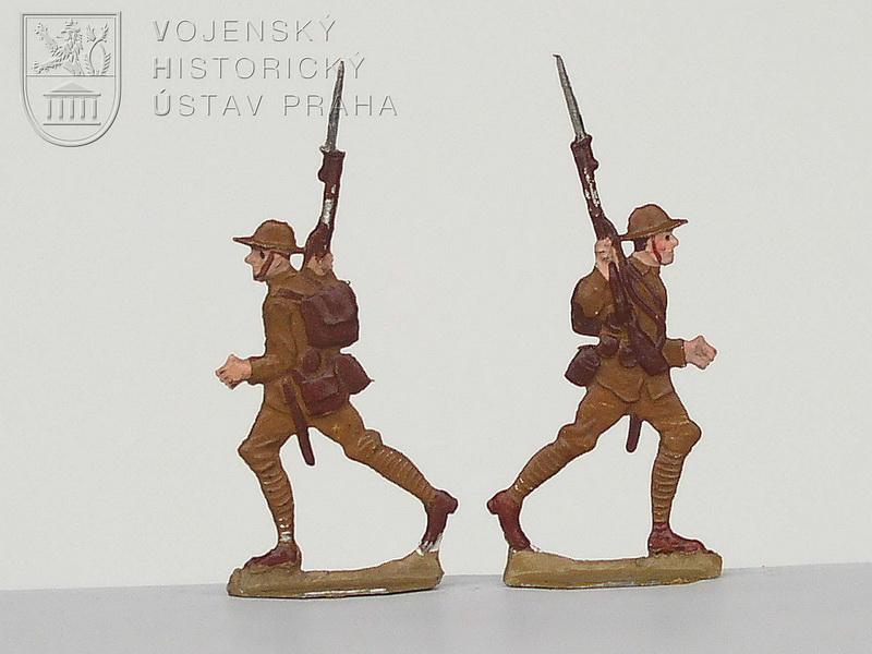Vojáci v uniformách britského Commonwealthu 1915