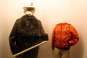 Oblečení z doby tzv. sametové revoluce