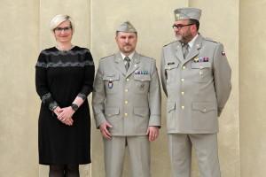 Ministryně obrany Karla Šlechtová, plk. Michal Burian a ředitel VHÚ plk.  Aleš Knížek