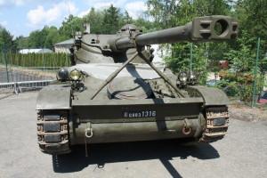 Nový přírůstek do sbírek VHÚ, francouzský lehký tank AMX 13/75