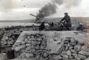 Protiletadlový kanón Bofors československého Lehkého protiletadlového pluku 200 – Východního v Tobrúku na jaře 1943 (VÚA-VHA)