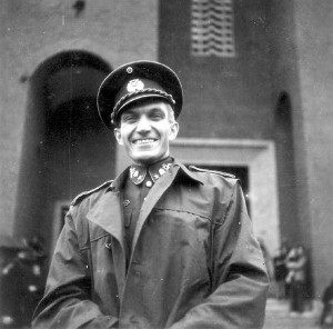 Smluvní duchovní Zasazeného Vládního vojska v Itálii, major duchovní služby PhDr. Jiří Maria Veselý, OP