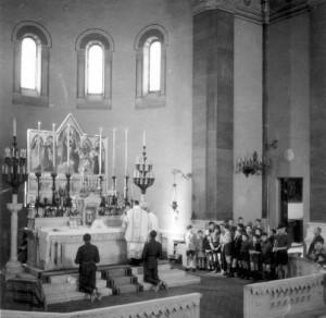 Mše mjr. Dr. Veselého a pplk. Bouška ve Florencii v kostele svatého Jakuba 6. května 1945