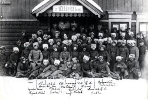 Českoslovenští legionáři v Rusku na železniční stanici v Čeljabinsku