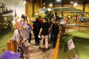 Pražská muzejní noc v hangárech Leteckého muzea Kbely