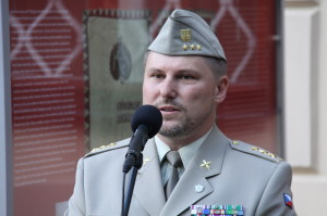 Spoluautor výstavy, plukovník Michal Burian z VHÚ