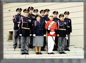Štáb Hradní stráže v nových stejnokrojích dle návrhu T. Pištěka, rok 1992.