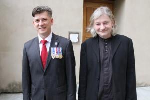 Zdeněk Špitálník (vlevo) a Zdeněk Mareš, kteří výstavu připravili po obsahové a výtvarné stránce