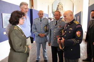 Theodor Pištěk v rozhovoru s brigádní generálkou Lenkou Šmerdovou