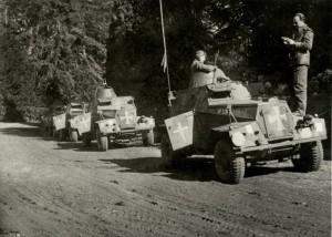 Obrněné automobily Humber LRC československých sil ve Spojeném království při cvičení