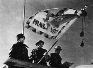 Slavnostní předání bojového praporu 1. čs. polnímu praporu v Buzuluku 27. ledna 1943 (první zleva Píka)