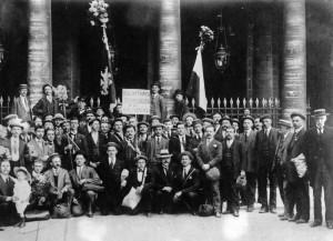 Prapor pařížského Sokola, 1902