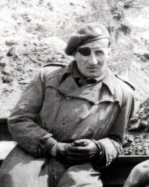 Velitel 2. motoroty motopraporu Československé samostatné obrněné brigády Karel Vrdlovec na frontě u Dunkerque ve Francii na jaře 1945 (T. Jambor)
