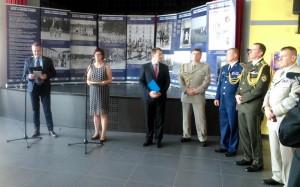 Náměstkyně ministra obrany České republiky Alena Netolická při projevu na recepci v Darney po slavnostní ceremonii odpoledne 30. června 2018