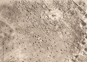Letecký snímek stejného prostoru jihozápadně od vesnice Aspach-le-Bas jako na předchozím snímku, ovšem z doby první světové války.