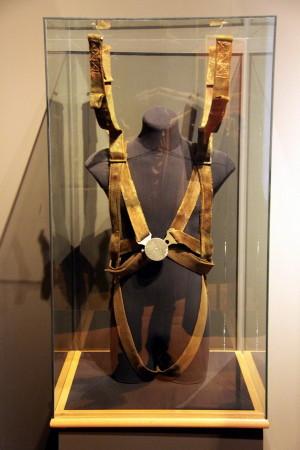 Parašutistická výstroj skupiny Anthropoid, která provedla atentát na R. Heydricha