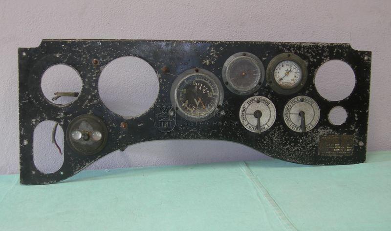 Palubní deska letounu Š-20