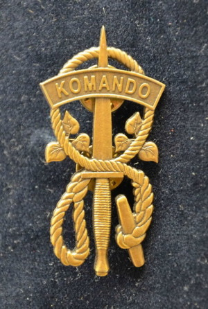 Odznak absolventa kurzu Komando