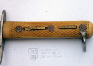 Rakousko-uherský útočný nůž vzor 1917, individuální úprava