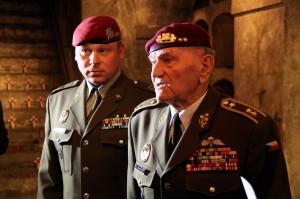 Generál Jaroslav Klemeš v kryptě kostela svatých Cyrila a Metoděje - zde bojovali čs. parašutisté v roce 1942 po atentátu na R. Heydricha