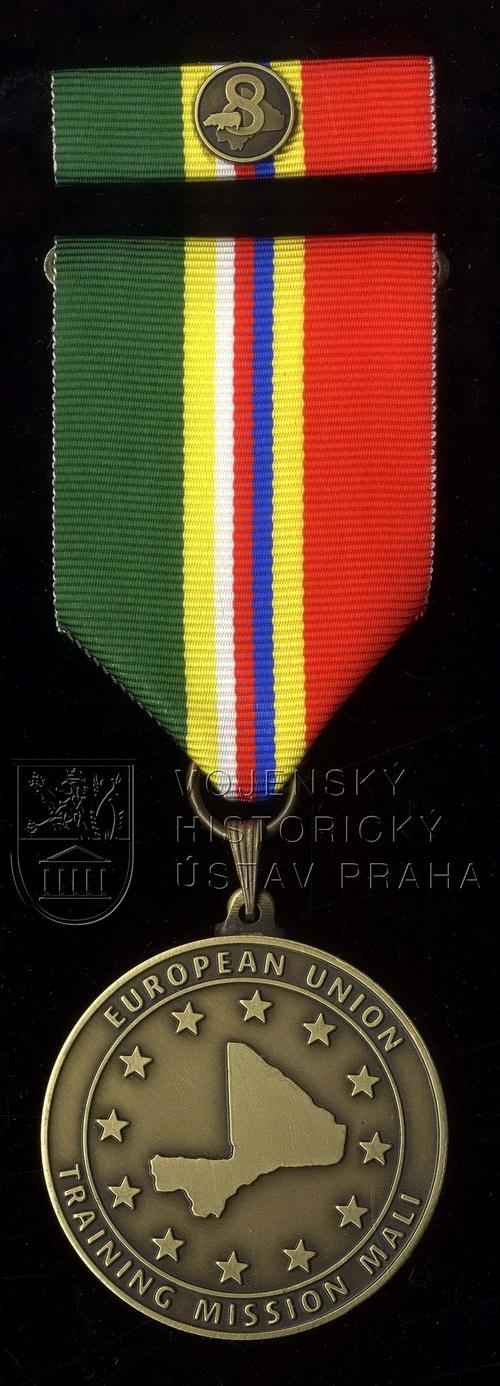 Pamětní odznak 8. úkolového uskupení Mali – EU TM