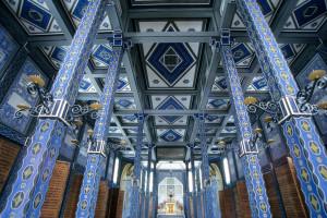 Secesní interiér kostela sv. Ducha. (foto Tomaž Ovčak – Nadace Cesty míru)