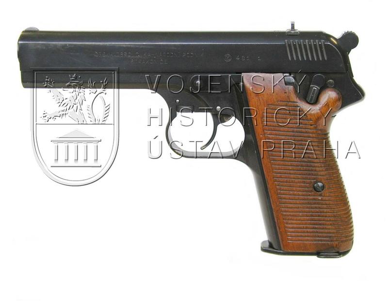 Pistole ČZ 481