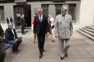 Ministr obrany Lubomír Metnar s ředitelem VHÚ Alešem Knížkem
