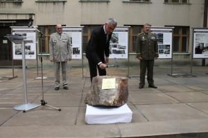 Slavnostní poklepání základního kamene na nádvoří muzea