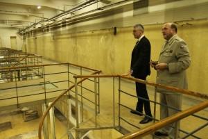 Ministr obrany Lubomír Metnar s ředitelem VHÚ Alešem Knížkem při prohlídce budovy Armádního muzea Žižkov