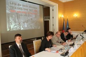 Jednání konference 1918 - Starý svět mrtev, ať žije nový?