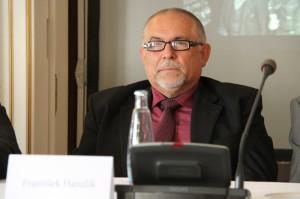 Prof. František Hanzl,ík z Univerzity obrany Brno
