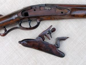 Pohled na středovou část pušky před restaurováním. FOTO: Petr Moudrý