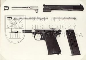 Prototyp pistole ZKP 524