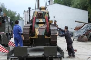 Tank Renault FT-17 po příjezdu do lešanského muzea na konci srpna 2018