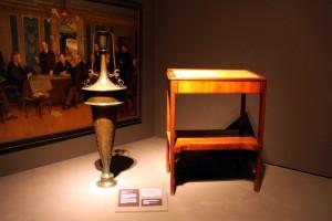 Dekorativní váza a psací pult pro prezidenta Masaryka - dvě díla Jože Plečnika
