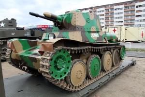 Tank LTP. Historické exponáty ze sbírek VHÚ na pražské Letné v rámci oslav 100. výročí založení republiky
